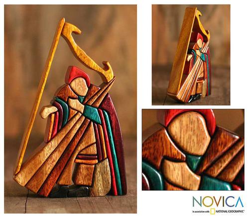 Ishpingo Wood Sculpture Handmade in Peru 'Andean Harpist'
