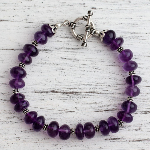 Amethyst beaded bracelet 'Violet Treasures'
