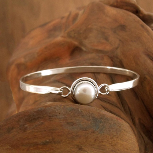 Handcrafted Indian Sterling Silver Bangle Pearl Bracelet 'Aesthetic Moon'