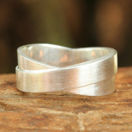 Handmade Modern Sterling Silver Band Ring 'Infinite Lanna'