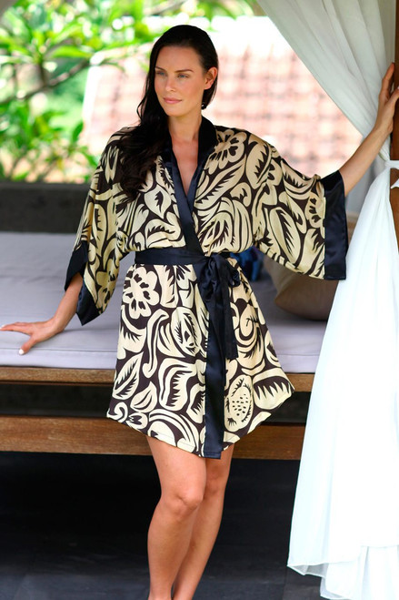 Women's Short Black Silk Robe with Pale Yellow Flowers 'Golden Dusk'