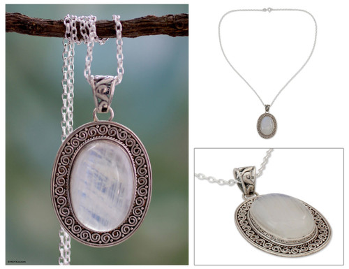 Artisan Jewelry Moonstone and Sterling Silver Necklace 'Dancing Moonlight'