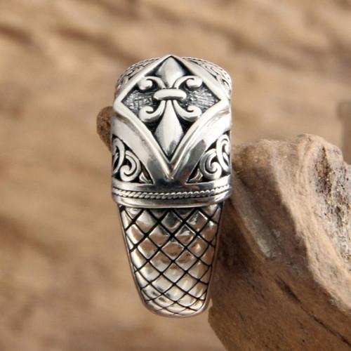 Indonesian Sterling Silver Domed Ring 'Fleur de Lis'