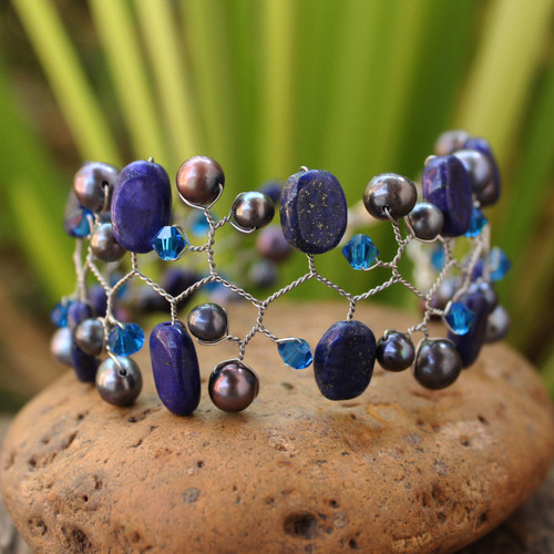 Cultured pearl and lapis lazuli beaded bracelet 'Blue Glam'