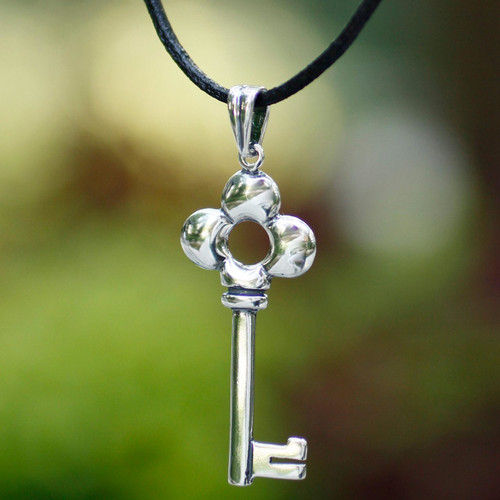 Sterling silver pendant necklace 'Key to Happiness'