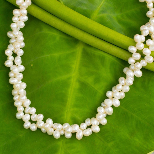 Cultured pearl strand necklace 'White Peony'
