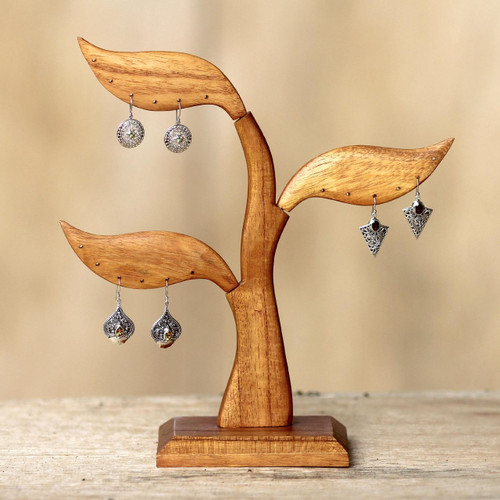 Bayleaf Earring Stand Sculpture Hand-carved Wood 'Daun Salam'