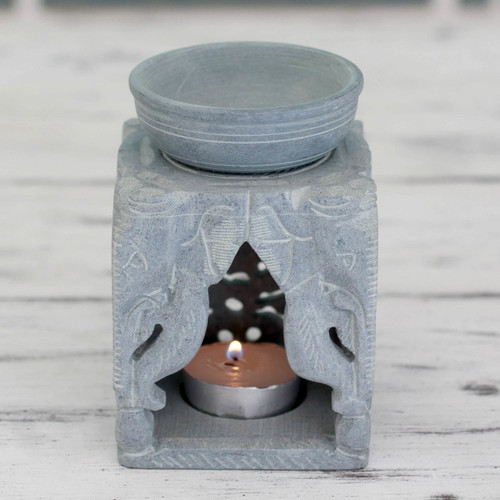Oil Warmer Hand-carved of Soapstone 'Agra Elephants'