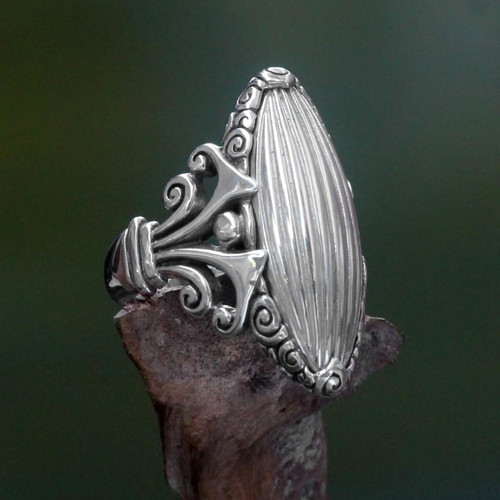 Original Artisan Design Sterling Silver 925 Cocktail Ring 'Matahati'
