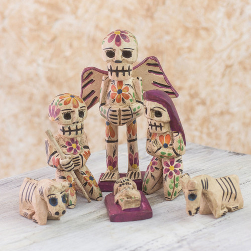 Rustic Style Pinewood Hand Crafted Nativity Scene (Set of 9) 'Holy Skeletal Night'