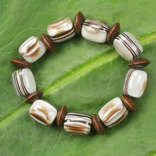 African Fair Trade Jewelry Recycled and Wood Bracelet 'Elikplim'