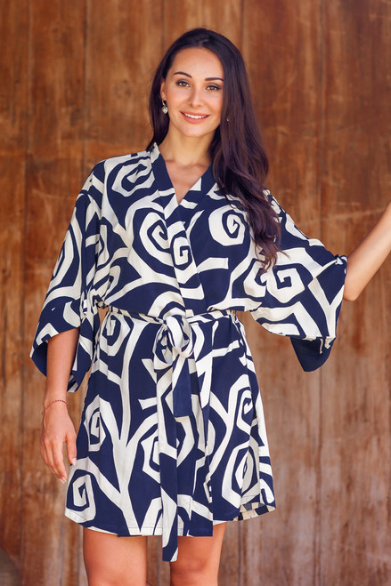 Rayon Short Robe with Blue and White Flower Print 'Navy Roses'