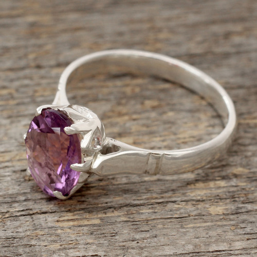 Amethyst and .925 Sterling Silver Solitaire Ring 'Solitary Allure'