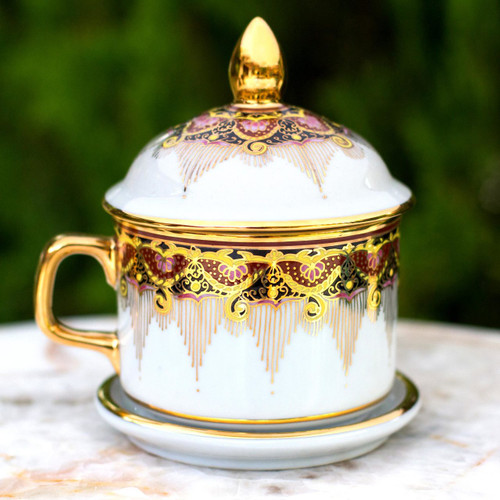 Benjarong White Elephant Teacup and Lid with Gold Paint 'Thai Iyara'