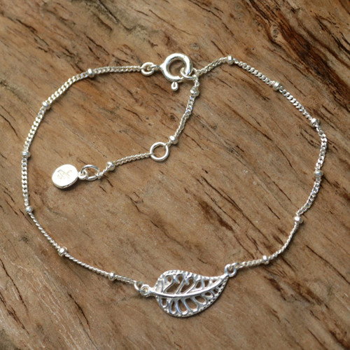 Handmade Indonesian Sterling Silver Pendant Leaf Bracelet 'Holy Leaf'