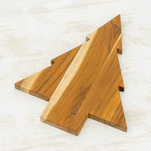 Teakwood Tree-Shaped Cutting Board from Guatemala 'Pine Tree'