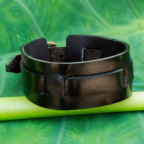 Men's Artisan Crafted Leather Wristband Bracelet 'Lanna Warrior in Black'