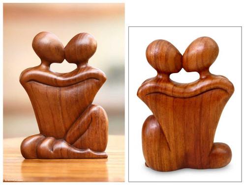 Romantic Wood Sculpture 'Kissing'