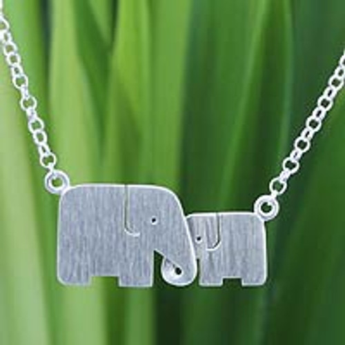 Hand Crafted Silver Elephant Pendant Necklace 'Family Love'