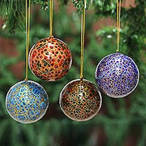 Papier Mache Artisan Crafted Holiday Ornaments (Set of 4) 'Happy Wonderland II'