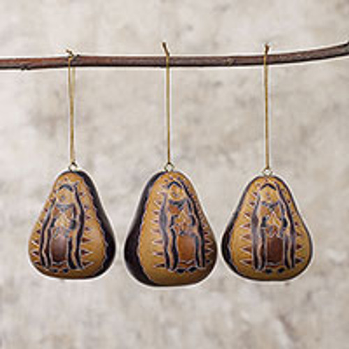 Peruvian Artisan Crafted Dried Gourd Ornaments (set of 3) 'Virgin of the Andes'