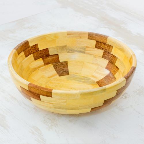 Handmade Bowl with Natural Guatemalan Woods 'Natural Spiral'