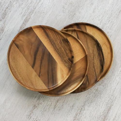 Four Handcrafted Dark Raintree Wood Plates from Thailand 'Natural Dark Discs'