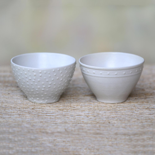 Pair of Ceramic Bowls with White Glaze and Dot Motifs 'Country Dot'