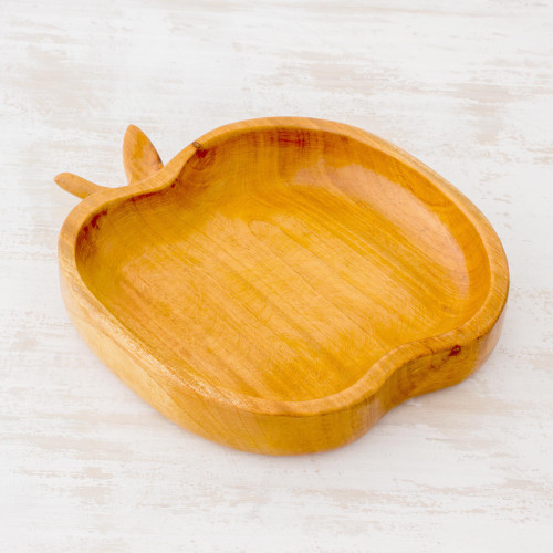 Attractive and Functional Cedar Wood Apple Dish 'Delicious Apple'