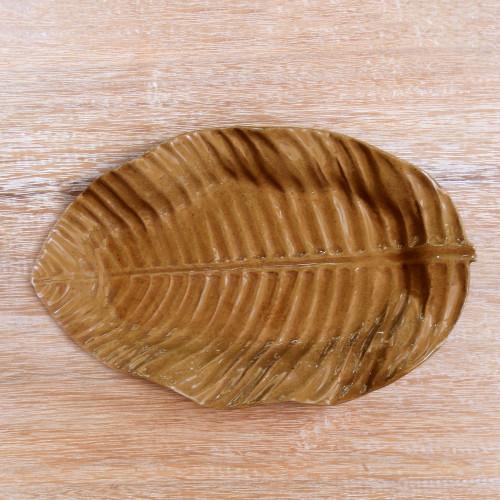 Handmade Ceramic Plate with Banana Leaf Motif from Java 'Daun Pisang'
