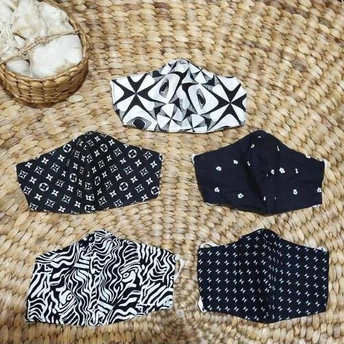 5 Black and White Print Contoured Double Cotton Face Masks 'Malioboro Night'