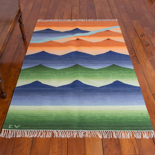 Peruvian Hand Loomed Wool Area Rug 4x6 'Sunset'