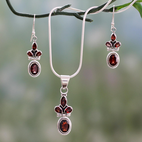 Garnet Earrings and Necklace Jewelry Set 'Eternal Passion'