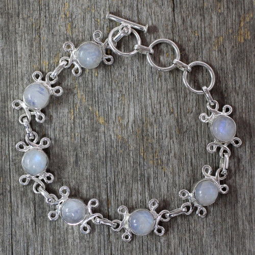 Handcrafted Indian Floral Sterling Silver Moonstone Bracelet 'Daisy Chain'