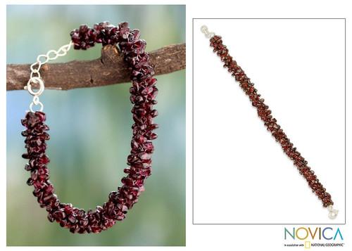 Garnet beaded bracelet 'Love's Fortunes'