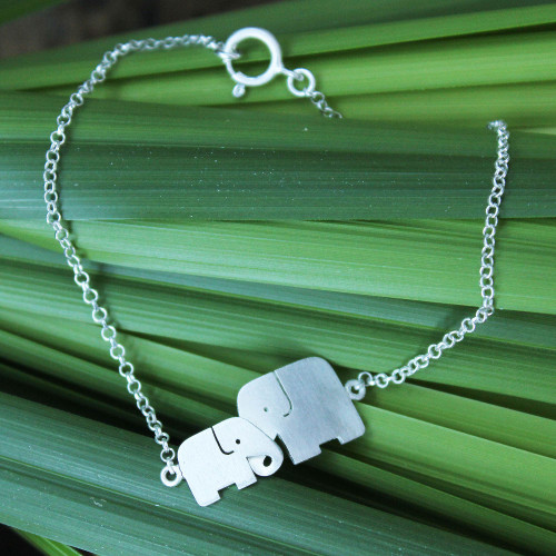 Sterling Silver Elephant Bracelet 'Family Love'