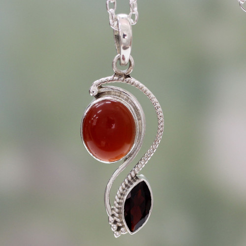 India Modern Handcrafted Carnelian and Garnet Necklace 'Colorful Curves'