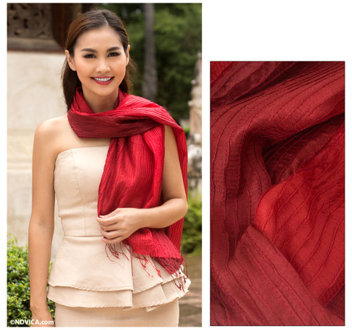 Pin tuck scarf 'Red Transition'