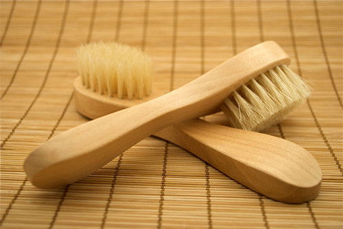Feels so good to deep clean the skin  Dimensions: L 6 - W 1½ - H 1¼  Weight: 3 oz. each - Case: 2 lb. 4 oz.  Case Size: 12 pcs. per case  Fair Trade  Material: Natural Bristle and Wood  Each item is individually packaged with a clear re-saleable wrapper.