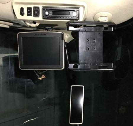 mounting-bracket-john-deere-s-series-combine-ipad-tablet450.jpg