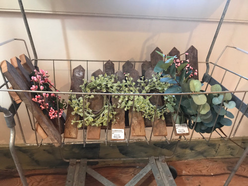 Picket Fence with Mini Wreath