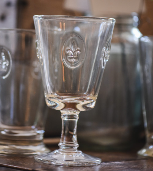 Fleurs de Lys Wine Glass