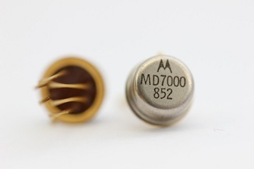 MD7000 ; Dual Transistor NPN 30V 0.5A 0.625W 200MHz, TO-78