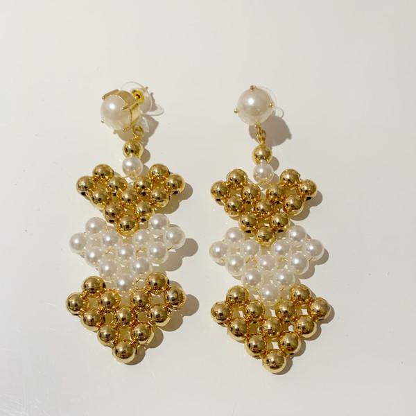 Arrow Earrings - Pearl/Gold (sample-final sale)