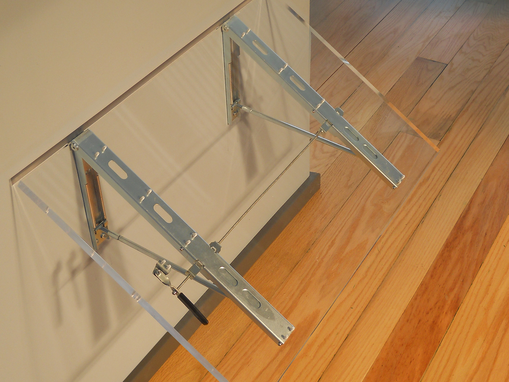 Acrylic Table with FDP19a Brackets Folding