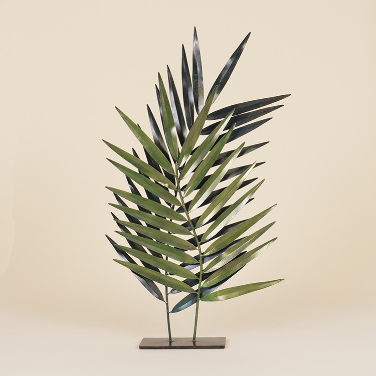 17-016 Pair of Metal Palm Fronds on Stand
