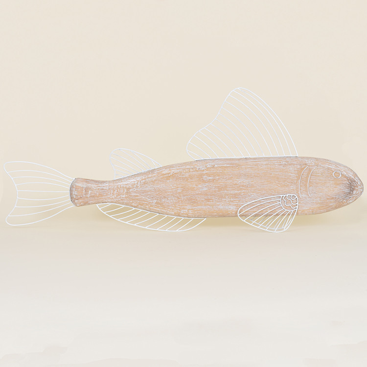 17-052 Large Wood & Metal Wire Fish