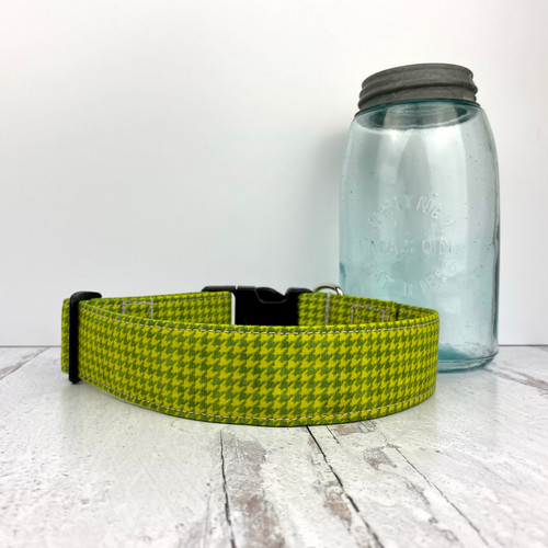 Green Houndstooth Martingale