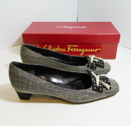 Salvatore Ferragamo Boston Women's Black and Tan Fabric Bow Pumps Size 8 B