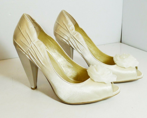 Seychelles Just Because Women's Ivory Satin Formal Peep Toe High Heels Size 10 M